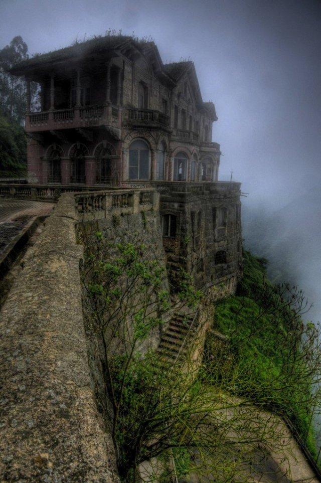 El-Hotel-del-Salto-in-Colombia-680x1024